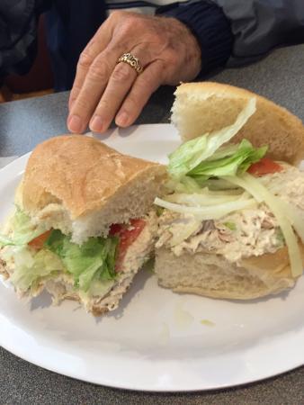 Mebane, Kuzey Carolina: Chicken Salad sandwich
