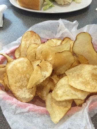 Mebane, Kuzey Carolina: House made chips - yummy!