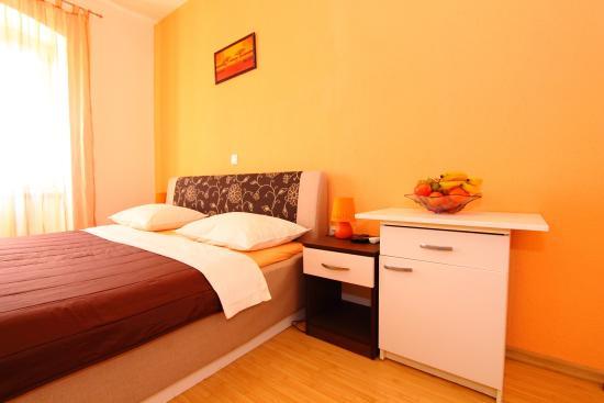 Nirvana Rooms & Apartments