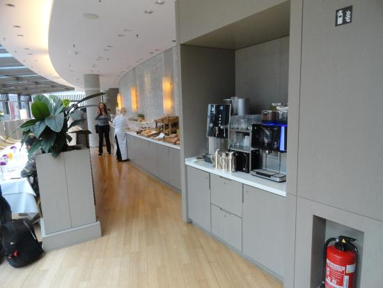 The Ritz-Carlton, Wolfsburg: Excellent choices at breakfast buffet and hours are considerate.
