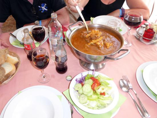 Gospic, Kroatia: Goulash