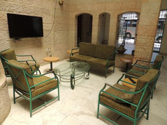 Karak, Yordania: ENTREE