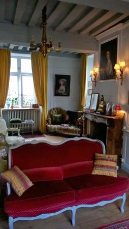Hotel Tanquerey de la Rochaisiere : The lounge, before you go upstairs to the very comfortable bedroom.