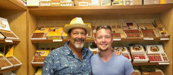 Havana Bob's Cuban Cigars: Havana Bob was great at helping me pick the best Cubans for me. . . Very knowledgeable and great