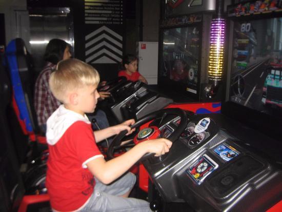 Фото игровые автоматы в смоленске игровые автоматы с игрушками играть онлайн