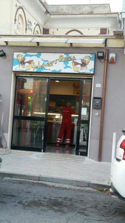 Ristorante homer 39 s pizza in roma con cucina pizza e pasta - Cucina in simpatia ...