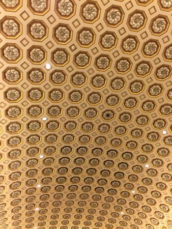 Vienna Hofburg Orchestra: The ceiling