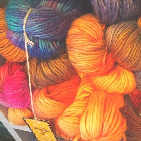 Raphine, VA: Orchardside Yarn Shop