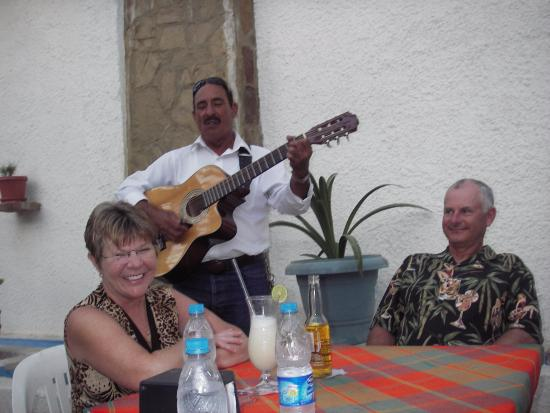 Tio Pablo's: Food, drinks, fun and a Mexican Guitar player to even out our celebrating mood.