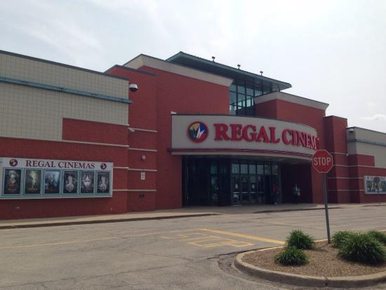 ‪Regal Cinemas Bolingbrook Stadium 12‬