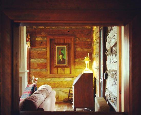 Hume, VA: Historic Tavern Circa 1787