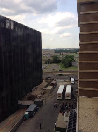 DoubleTree by Hilton - Washington DC - Crystal City: Welcome To Room #856