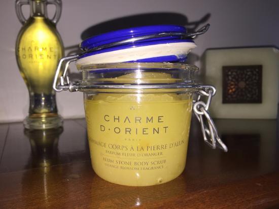 L'Ile-Perrot, Canada: Produit Charme d'Orient utilisé pour les soins corporels