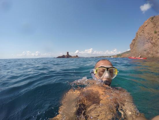Esterel Aventures : What a nice place the sea is amazing
