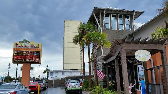 Runaway Island Beach Bar And Grill Panama City Beach