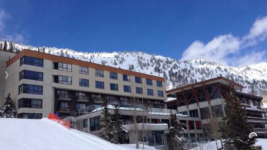 Alta's Rustler Lodge: Backside of the hotel near the chair lift.