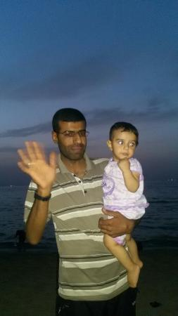 Gaza, ดินแดนปาเลสไตน์: انا وعطاف بنتي