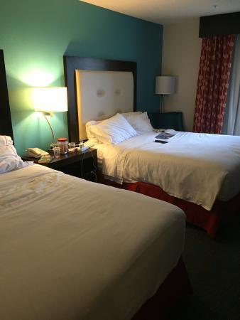 Holiday Inn Express Destin E - Commons Mall Area: Poolen och ett dubbelrum