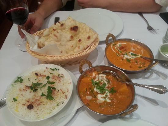 Cremorne, Avustralya: vegetarian curry and chicken tikka masala