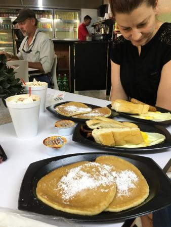 M y M Cafe: Quick and reliable breakfast food.