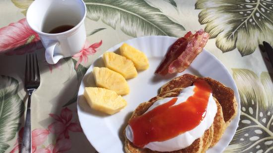 Aloha Guest House: Amazing Breakfasts