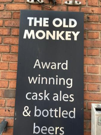 The Old Monkey: Small, interesting pub