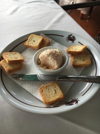 Aragosta alla plancha con insalata e mojera fritta con patate