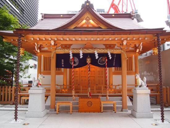 """拝殿 5時を回っていたので扉が閉まっています - 中央区、福徳神社の写真写真: """"拝殿 5時を回っていたので扉が閉まっています"""""""
