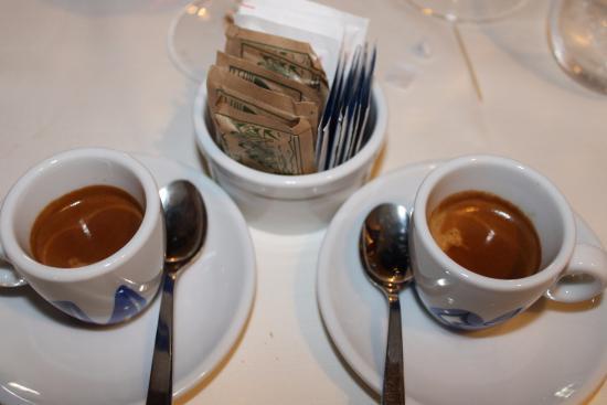 Vezzo, Włochy: Espresso