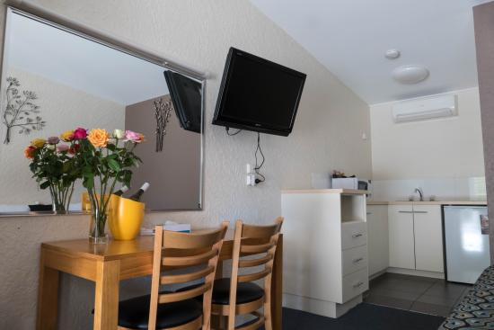 Bundaberg Spanish Motor Inn: KITCHENETTE