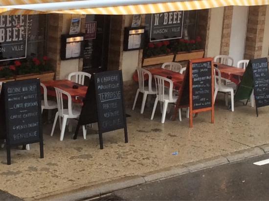 Maison De Ville Le Restaurant Cote Route
