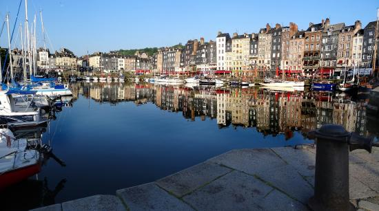 Les Cascades: The quayside in Honfleur