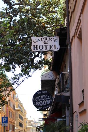 Hotel Caprice: Outside Caprice Hotel, Rome.