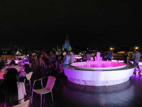 Grand Pearl Cruise: 夜景と音楽