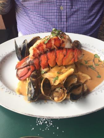 De Mun Oyster Bar: photo1.jpg