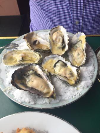 De Mun Oyster Bar: photo2.jpg
