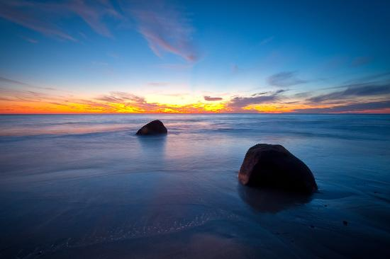 Martha's Vineyard, MA: Beautiful beaches of Marthas Vineyard - come tour and dine and watch dramatic sunsets