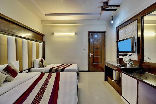 Hotel Star Plaza: Triple Room