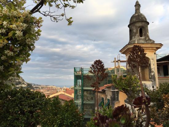 photo1.jpg - Picture of La Terrazza Dei Pelargoni B&B, Ventimiglia ...