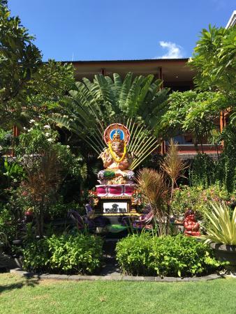 Wina Holiday Villa Hotel: Next to the pool