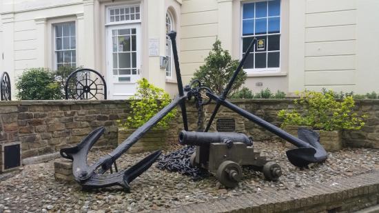 Littlehampton Museum: Outside display