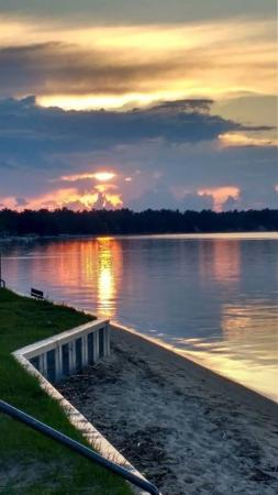 Hampton Inn Traverse City: This was taken at the park across the street from hotel. Gorgeous sunsets up here!