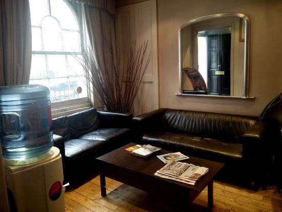 Swinton Hotel: Reception area