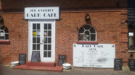 ‪The Everitt Park Cafe‬