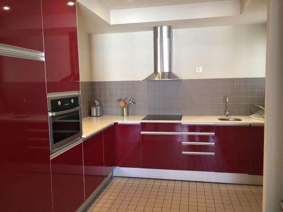 The Urban Suites: Kitchen