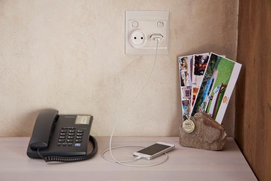 African Rock Hotel : International power adapters available