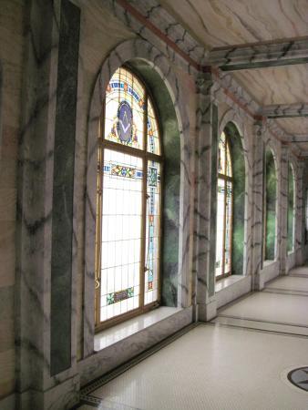Guthrie Scottish Rite: Many stainglass windows