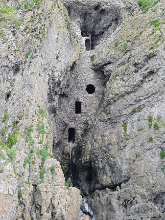 Swansea, UK : Culver Hole Cave