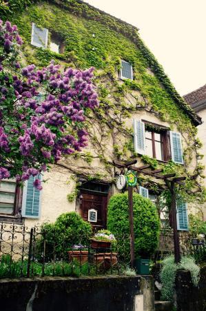 La Maison des 5 Temps - B&B de charme : La Maison de 5 Temps, Ferrette, Alsace.