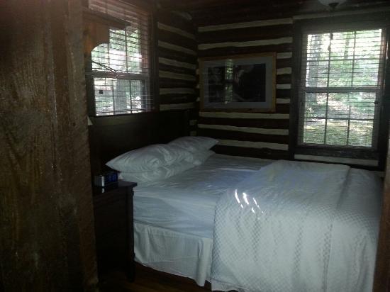 F. D. Roosevelt State Park Cottages: Cabin # 11
